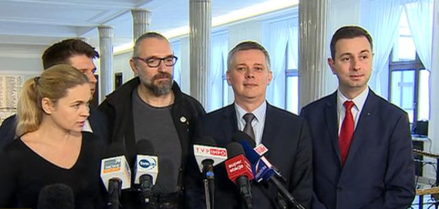 http://static.300polityka.pl/media/2015/12/opozycja-640x305.png